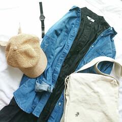 ママファッション/ママコーデ/プチプラ/キャップ/デニムシャツ/ファッション 置き画コーデ(* 'ᵕ' )  デニムシ…