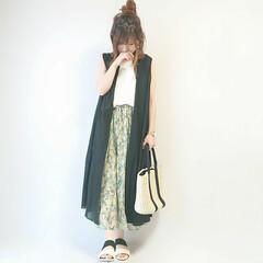 着回し/おちびコーデ/ママファッション/かごバッグ/ボタニカル柄/ファッション ボタンタイプのノースリーブワンピは羽織り…