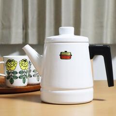 キッチン/ケトル/モノトーン/琺瑯/白黒/コーヒー 省スペースで済むケトルが欲しいと思い、富…