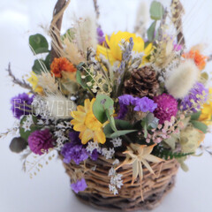 カラフル/バスケット/ドライフラワー/花/雑貨/住まい/... お義母さんにいただいたお花を玄関に飾りま…