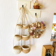 編み物/編み編み/かぎ針編み/麻ひもかご/3連かご/麻ひも/... 初投稿✨  麻ひもで編んだ3連かごです(…