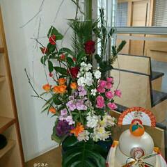 鏡餅/お正月飾り/生花/活け花/いけばな/生け花/... 1階の正面玄関の生け花です  今日は七草…