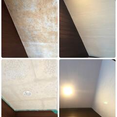 ダウンライト/壁紙/DIY/リフォーム/玄関/砂壁 玄関入ってすぐ見える場所の階段裏。砂壁の…