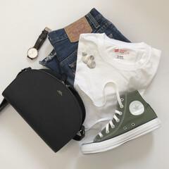 levis/ママコーデ/デニムコーデ/Tシャツ/大人カジュアル/カジュアル/... 夏はデニムにTシャツが 1番多いです。 …
