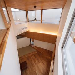 設計事務所/設計/吹抜け/マイホーム/マイホーム計画/家づくり/... リビングの吹抜けを寝室の室内窓から♪ ■…
