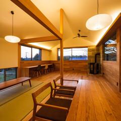 間接照明/オープンハウス/完成見学会/リビング/造作家具/インテリア/... 実は梁の上にも照明を仕込んでおります♪ …