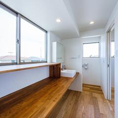 廊下/ねこ/カウンター/手洗い/洗面台/マイホーム/... 2階トイレ前の手洗いカウンター、下は猫ち…(2枚目)
