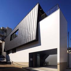 玄関/外観デザイン/外観/entrance/HOUSE/設計/... 大屋根がそのまま2階の外壁になった珍しい…