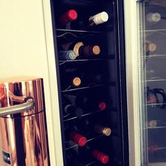 おうちの美化委員/ワインセラー/ワインクーラー/暮らし/ワイン/収納 我が家のワインクーラーです。 「何を飲も…