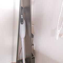 マキタ 充電器 JPADC10SA makita DC10SA | マキタ(掃除機部品、アクセサリー)を使ったクチコミ「掃除機収納 しまいたいけどサッと使えるよ…」