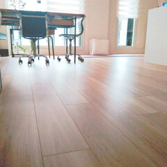 住まい/部屋/床/おうちの美化委員/片づけ/片付け/... 床に物を置かない方が運が良くなると信じて…