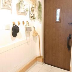 Gullor 天然木製コートフック 壁掛けフックラック 装飾クラフト服フック 2個(吸盤フック)を使ったクチコミ「玄関のカギが壊れました😭 我が家は自動で…」