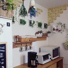 すのこDIY/編み物/アイアンサークルフック/フェイクフラワー/フェイクグリーン/DIY/... 我が家のキッチンの壁の飾りはほとんど10…