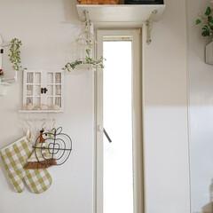 かご 収納 バスケット 北欧風 ワンハンドル スクエア型 Mサイズ ウッドチップ 北欧ナチュラル かご 雑貨(ランドリーバスケット)を使ったクチコミ「キッチンの小窓です。 この小窓に以前作っ…」