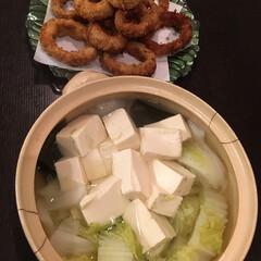 オニオンリング肉巻きフライ/湯豆腐 昨日の晩ご飯🎶 白菜たっぷり湯豆腐 オニ…