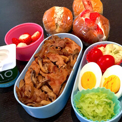 お弁当/暮らし/フォロー大歓迎 娘の塾弁当🎵  お昼 ツナサンド、イチゴ…(1枚目)