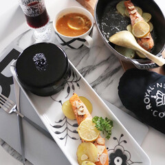 簡単料理/料理/鮭料理/サーモン/サーモンのレモンバター焼き/牛尾理恵さんのレシピ本から/... 並べて焼くだけな お手軽料理は、ストウブ…