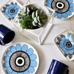わが家の食器/マリメッコ/食器/北欧/北欧食器/ブルー/... 白黒インテリアでよく使用しているのは北欧…
