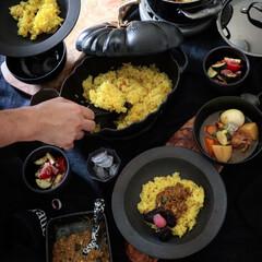 ストウブ ココットパンプキン ホワイト | STAUB(フライパン)を使ったクチコミ「今日のランチの続き スタミナ飯という事で…」