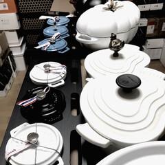 鍋/キッチンアイテム/ウォークインクローゼット/収納/白黒/ル・クルーゼ/... わたしのお気に入りは 2階のクローゼット…