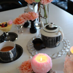 灯り/3時のおやつ時/午後の紅茶/バラのキャンドル/ティータイム/花のある暮らし/... おうち時間の楽しみ方  毎日キャンドルを…