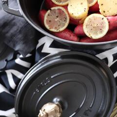 料理/夕飯/無水調理/ストウブのある暮らし/ストウブオーバルココット/staub/... 無水調理に便利なストウブ 中でも根菜系 …