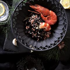 テーブルセッティング/テーブルインテリア/テーブル/黒の世界/拘り/ランチ/... 黒が好き🖤 黒い器に 艶やかな色味に食材…