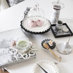 ガラスドーム/ガラス食器/お菓子/ピンク/春菓子/和菓子/... 春色コーデ 白いテーブルに映える 白い器…