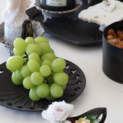 器好き/黒い器/fruits/シャインマスカット/マスカット/ブドウ/... 今年最後になりそうな シャインマスカット…
