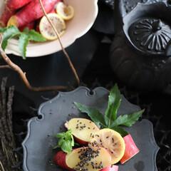 和食器 小皿 JAPAN CHERRY 銘々皿 古伊万里草花紋 ピンク プラチナ 和モダン ブランド 食器 食器ギフト お中元 アリタポーセリンラボ(皿)を使ったクチコミ「黒とピンクの器の組み合わせ 結構好きです…」