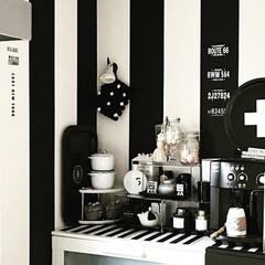 ストライプ壁面/ストライプ/キッチン改造/壁面改造/壁面/キッチン雑貨/... キッチン見せて 引っ越し後の壁面を作り替…