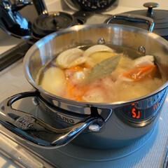 ストウブ オーバルホットプレート 23cm 黒 40509-582 | STAUB(皿)を使ったクチコミ「今日の夕飯の仕込み 新しいブラックステン…」