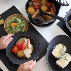 お昼ごはん/ランチ/サラダ/根菜スープ/ポトフ/ストウブごはん/... 休みの日のお昼ごはんは 軽めに玉子サンド…