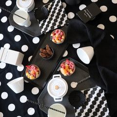 おうちカフェ/手作り/テーブルコーディネート/ポルカドット/ドット/100円ショップ/... わたしのお気に入りは 白黒雑貨が趣味 テ…