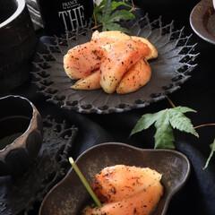 フルーツ/おやつ/桃のアールグレイマリネ/桃/🍘/器/... 昨日のおやつ😊 夏にはさっぱりした果物が…