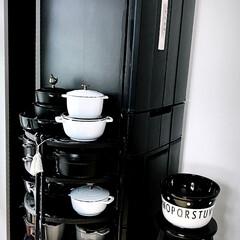 ラ ココット de GOHAN M ブラック 40509-655 | ストウブ(その他キッチン、日用品、文具)を使ったクチコミ「テレワークが続くわが家 収納見直しをずっ…」(1枚目)