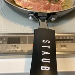 ストウブ staub ビュッフェスキレット 26cm 黒 40510-617 RSTE301 | STAUB(皿)を使ったクチコミ「料理でよく使うこれ フライパンやスキレッ…」