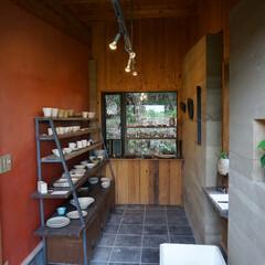 陶芸工房/敷瓦/いぶし瓦/版築工法/土壁/大津磨き/... 奥様が陶芸家で、工房内に小さなギャラリー…