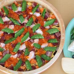おうちごはん/ちらし寿司/海鮮ちらし寿司/手料理/休日ごはん/昼ごはん/... 日曜の昼ごはんは海鮮ちらし寿司。まぐろ、…