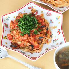 スパゲッティ/パスタ/プッタネスカ/おうちごはん/昼ごはん/LIMIAごはんクラブ/... 祝日の昼ごはんは、プッタネスカと野菜スー…