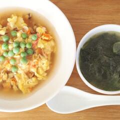 天津飯/わかめスープ/朝ごはん/おうちごはん/LIMIAごはんクラブ/おうちごはんクラブ 今日の朝ごはんは天津飯とわかめのスープ。…
