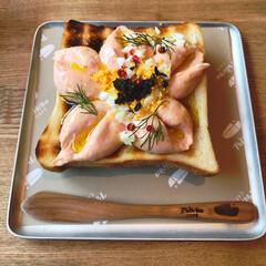 ペリカン/浅草/おでかけ 桜🌸  スモークサーモンのムースのせトー…