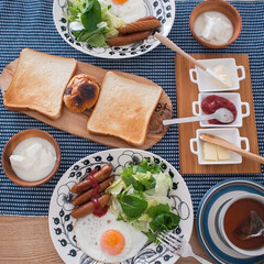 アラビア/北欧/カッティングボード/イケア/食器/ダイニング/... ある日の朝ごはん。 アラビアのオーバルプ…