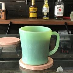 アメリカンビンテージ/コーヒー/ファイヤーキング ミルクガラスのファイヤーキングにコーヒー…