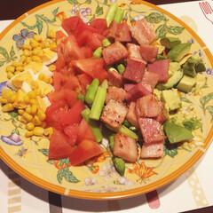 てきとう料理/Cobb salad/コブサラダ 僕くらいアルコール漬けになると、サラダで…