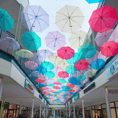 梅雨/おでかけ/建築 アンブレラスカイ⛱💕 傘が揺れてとっても…