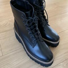 ママコーデ/秋冬コーデ/ブーツ 産後久々に奮発して購入!EVOLの靴 今…