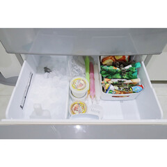冷凍庫整理/冷凍庫/整理収納アドバイザー白石麻里/冷凍庫収納/セリア/簡単/... 冷凍庫の上の段です!上の段はお弁当に使う…