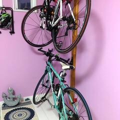 自転車ラック/ロードバイク/クロスバイク/DIY/インテリア/ニトリ/... 自転車ラックとニトリのマットとドアストッ…