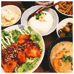 ヤンニョムチキン/フード/おうちごはん/節約 今日の夕飯❣️ ヤンニョムチキン丼にしま…